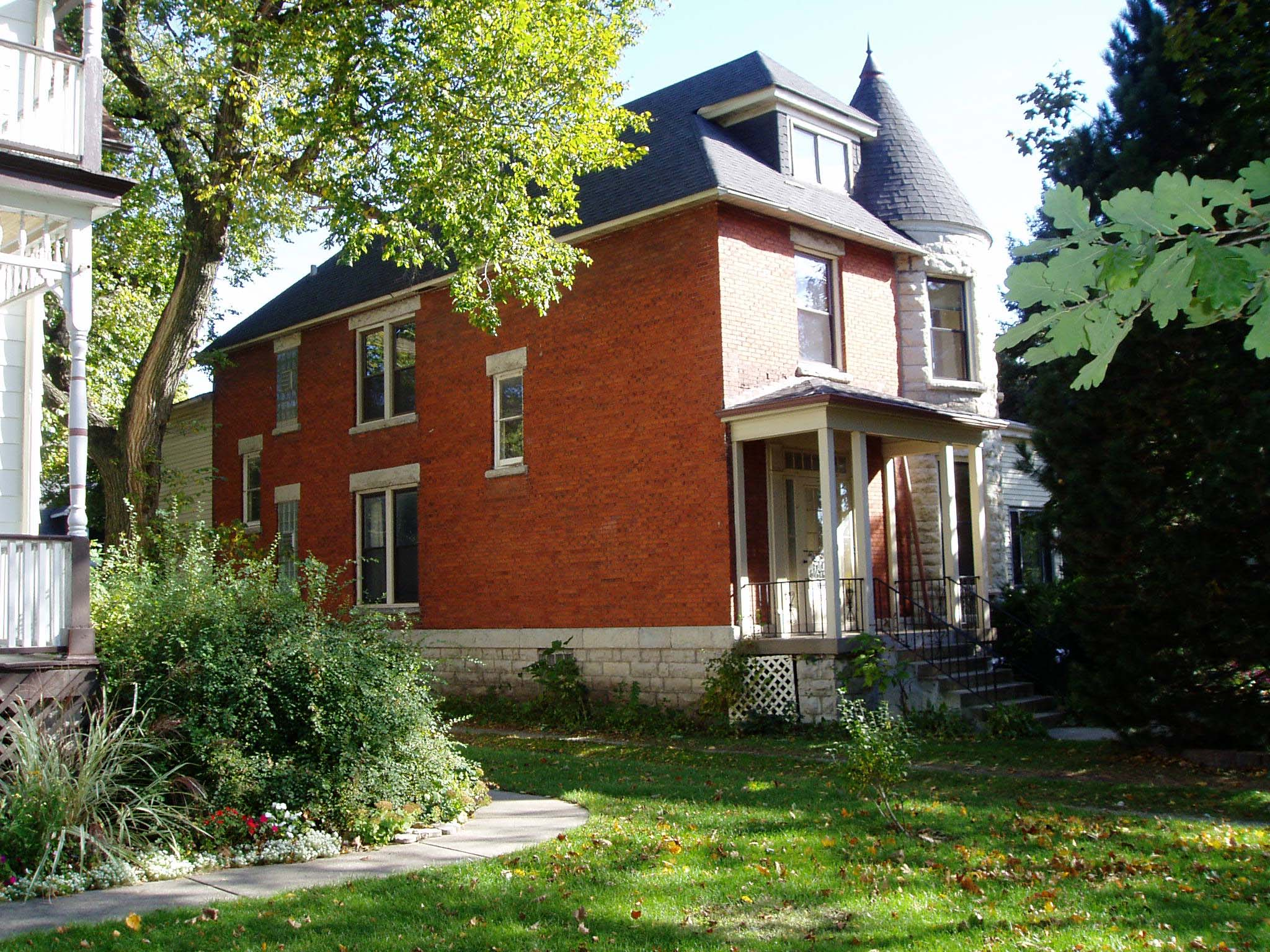 Uncover Clues to Your Home's History during May 7th Workshop at Elmhurst History Museum